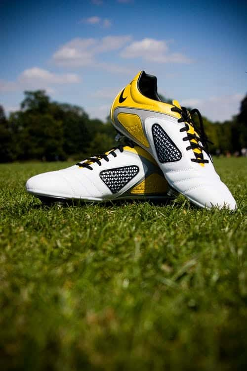 Effective Soccer Shooting With The Right Shoes